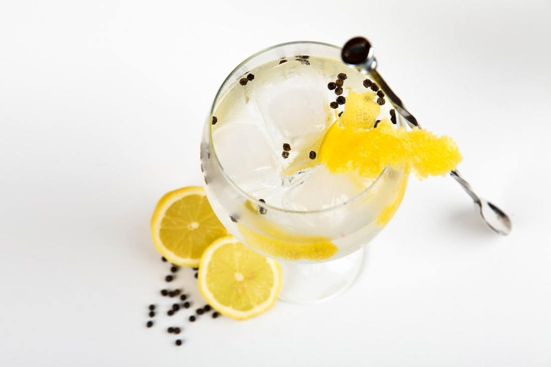 Lemons and alcohol - a potent anti-stain mix?